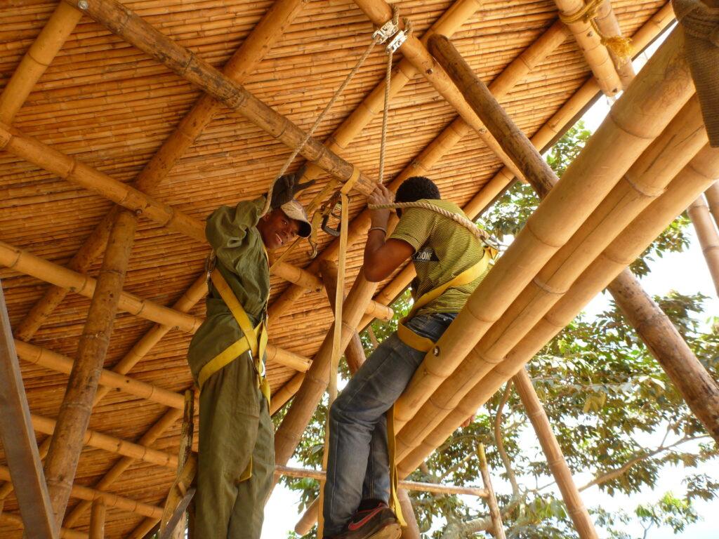 Bauphase Guadua-Fachwerk
