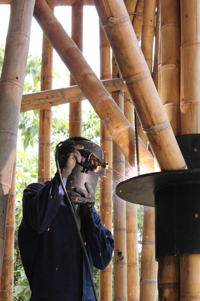 Stahlauflager für Guadua-Fachwerk